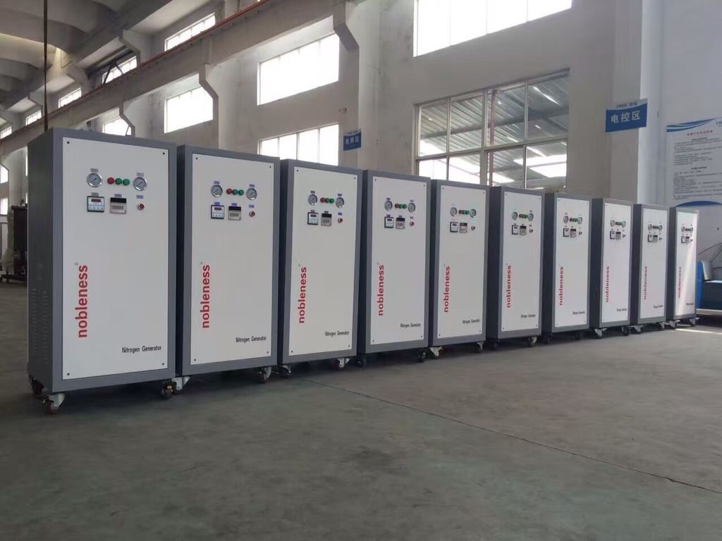 Micro Box Type Mobile Nitrogen Gas Generator 0.1-0.65 Mpa For Tyre Gas Charging
